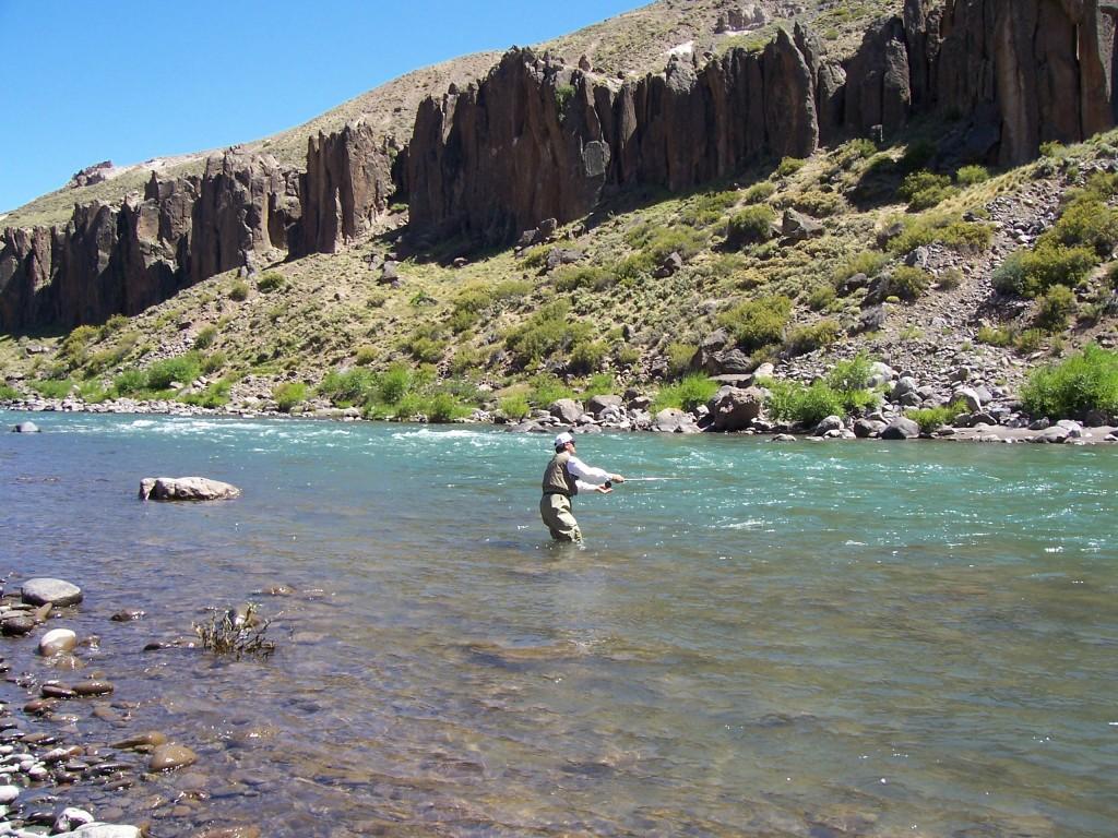 Pesca en el Río Neuquén - Manzano Amargo